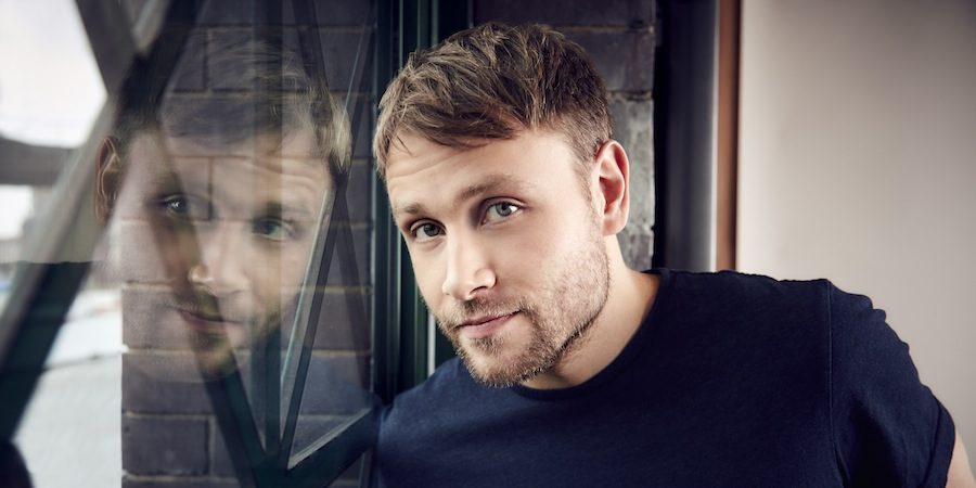 """Sense8'in En Seksisi"" Max Riemelt, Episode'da Oben Budak'ın Konuğu"