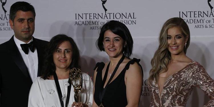 Kara Sevda Dizisi Türkiye'ye Emmy ile Dönüyor