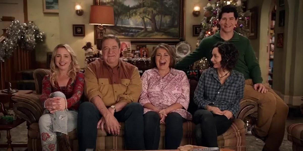 """Efsanevi Sitcom """"Roseanne"""", 21 Yıl Sonra, 27 Mart'ta Dönüyor"""