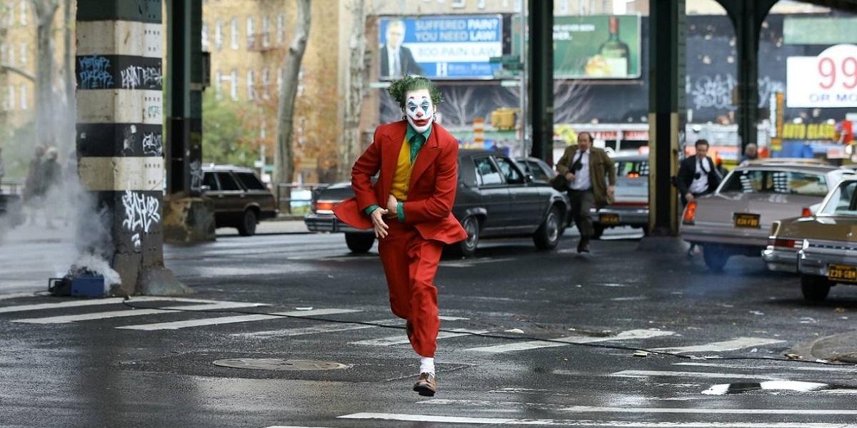 "Venedik'te Zafer Joaquin Phoenix'li ""Joker""in"