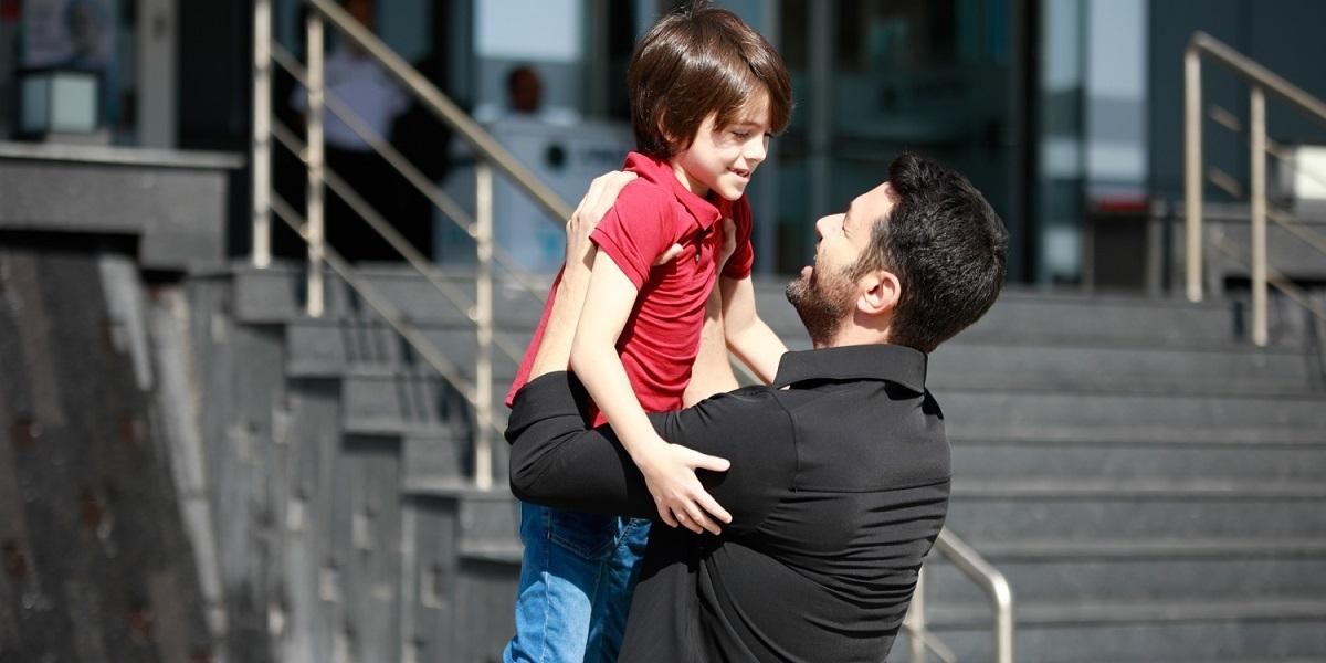 """""""Kimse Bilmez"""" 17. Bölüm: Ali, Bir Oğlu Daha Olduğunu Öğreniyor"""