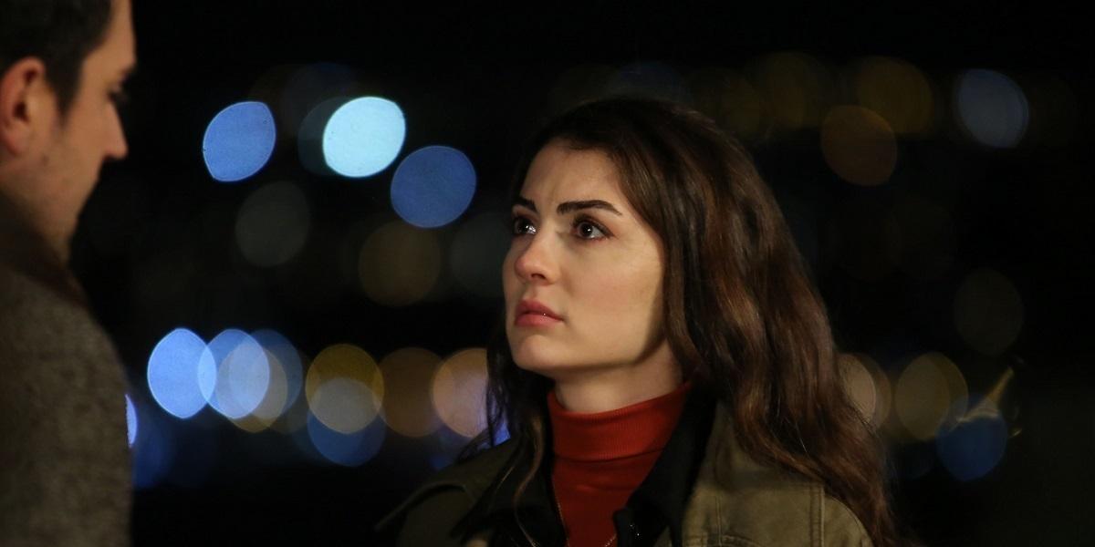 """""""Afili Aşk"""" 22. Bölüm: Ayşe, Zor Bir Kararın Eşiğinde"""