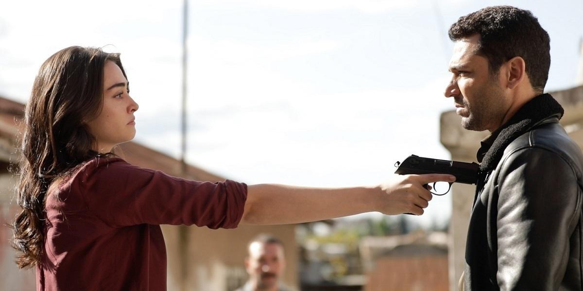 """""""Ramo"""" 2. Bölüm: Ramo, Sibel'in Elindeki Silahın Hedefinde"""