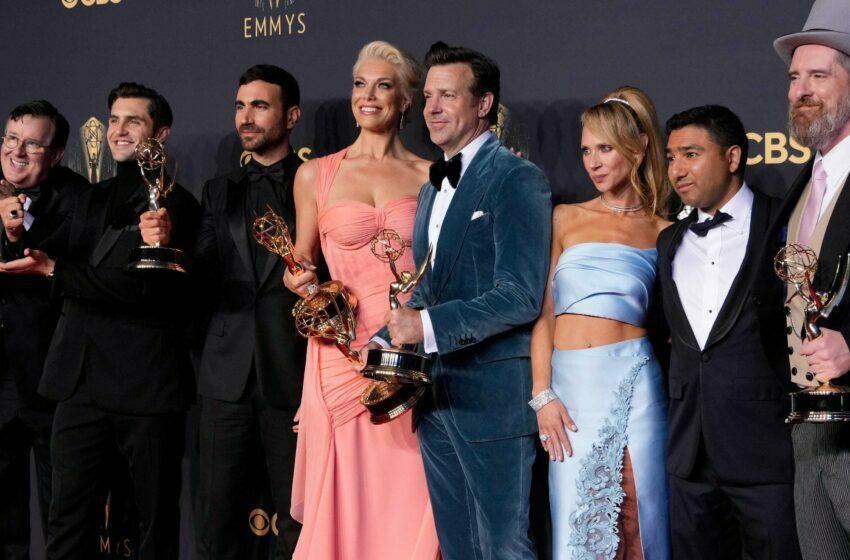 """Emmy Ödülleri Tartışılıyor: """"Bembeyaz!"""""""
